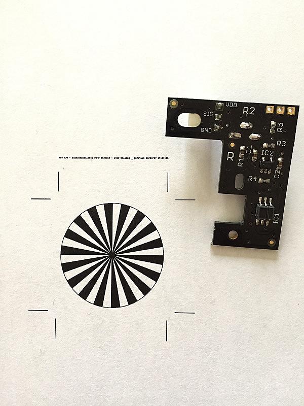 minibot Encoder mit erstem Aufkleber
