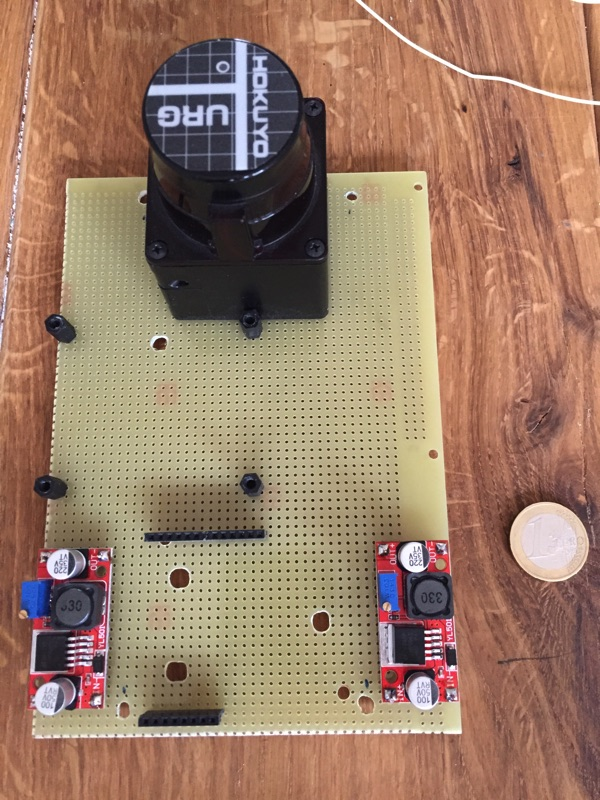 minibot - Löcher für Kabeldurchführungen